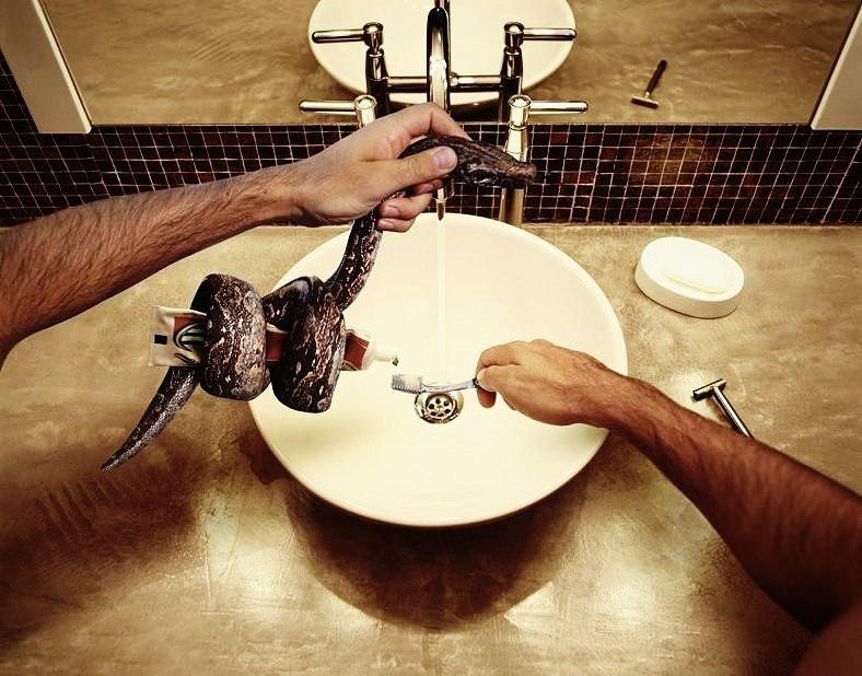 Выдавливание зубной пасты для ленивых