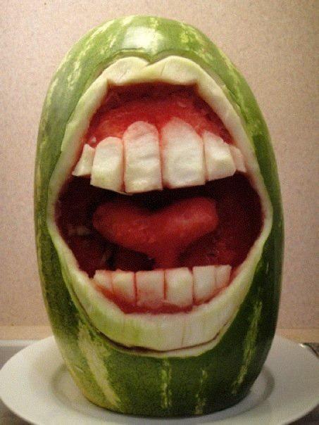 Полость рта из арбуза