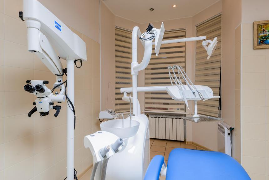Кабинет для лечения под микроскопом