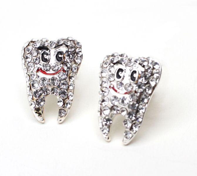 Значок стоматолога 4