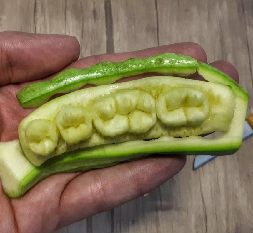 Зубы из кабачка