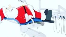 Дед Мороз у стоматолога