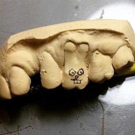 Пасхальный зуб
