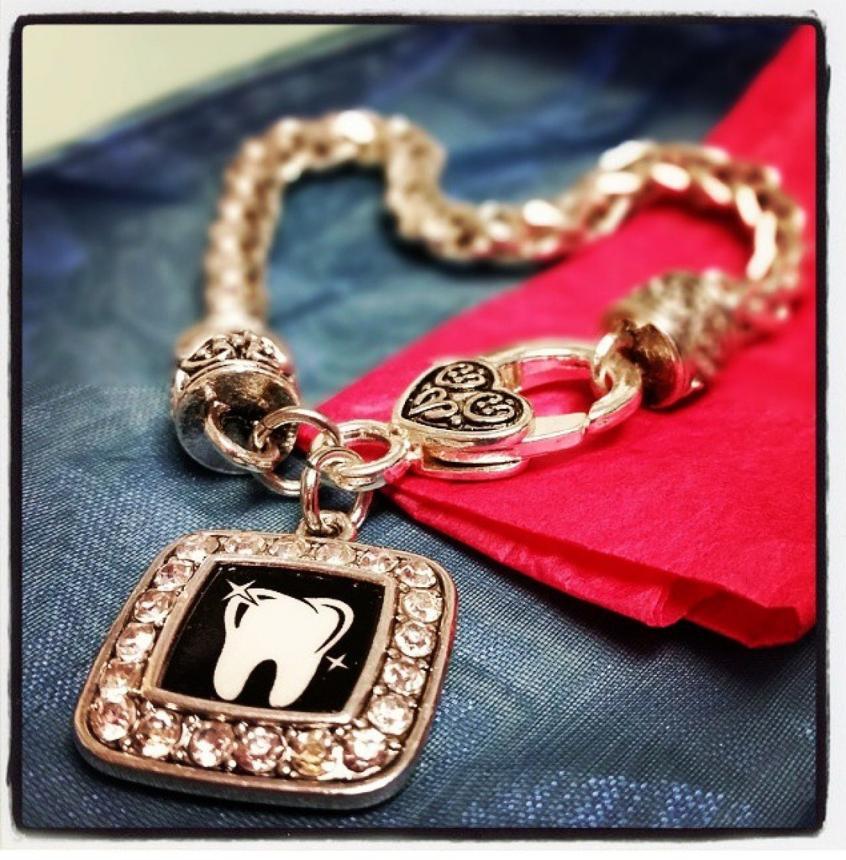 Браслет стоматолога