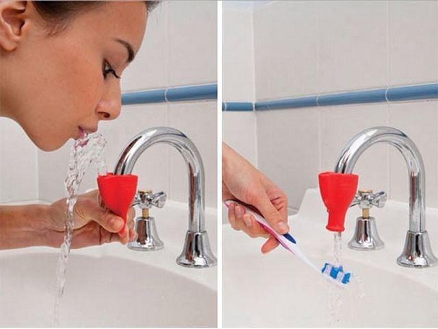 Приспособление на кран для чистки зубов