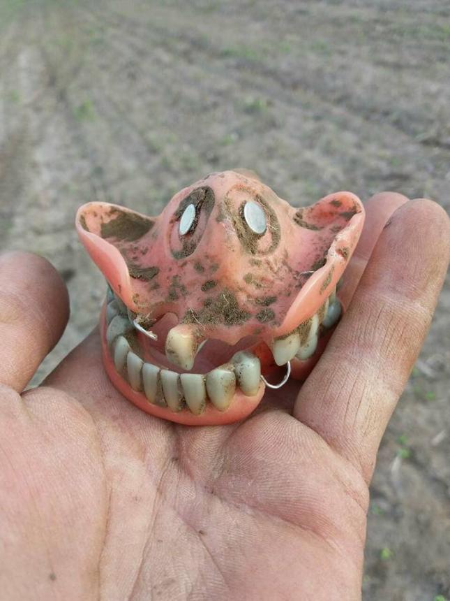 Зубной протез времён второй мировой войны