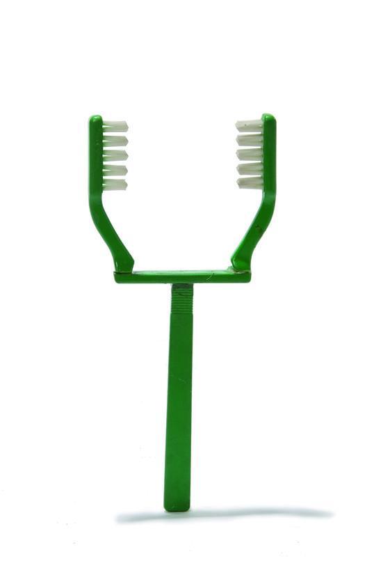 Зубная щетка для ленивых