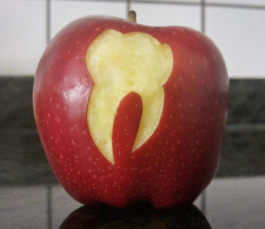 Яблочный зуб 2