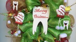 Елочный венок для стоматолога 2