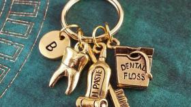 Брелок стоматолога 5