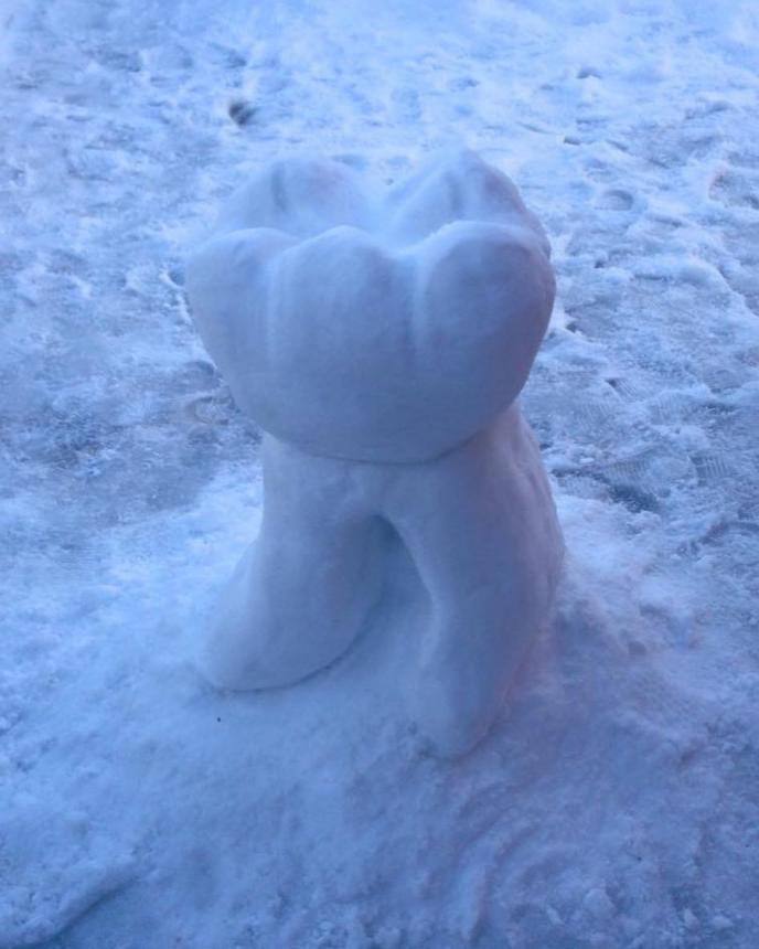 Зуб из снега 3