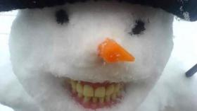 Зубастый снеговик 4