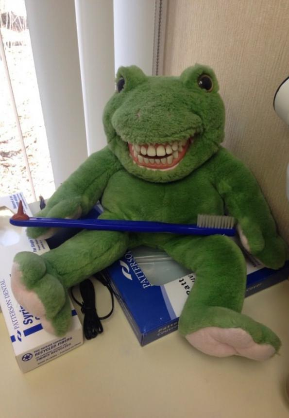 Лягушка с новыми зубами 2