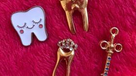 Значок стоматолога 6