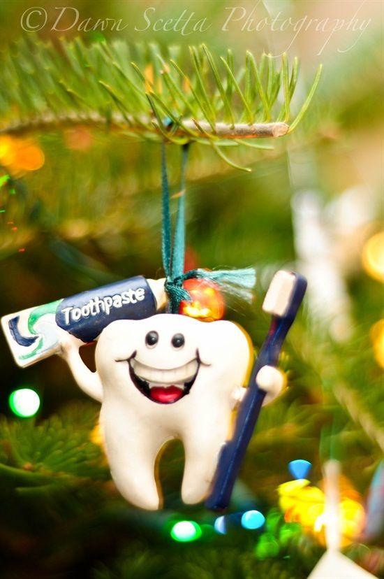 Игрушка Зубная щетка силиконовая с ограничителем Canpol 10/500 Yellow 250930616