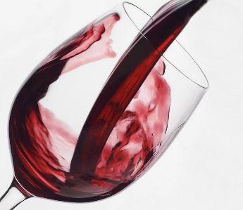 Употребление вина провоцирует истончение зубной эмали