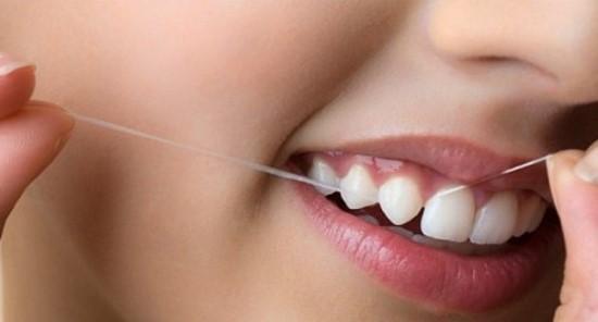 Зубная нить может вызывать аллергию