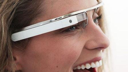 В Швейцарии разработали очки Google glass для стоматологических целей