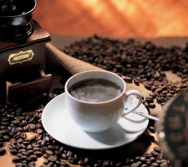 Один из пяти курильщиков не может чувствовать горечь кофе