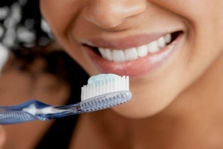 Чистка зубов может сократить частоту инсультов