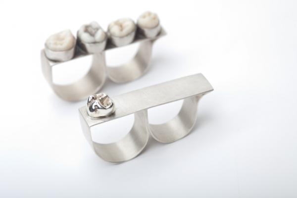 Зубные украшения или украшения из зубов