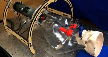 Американские инженеры разработали устройство для проведения операций на мозг через отверстие в щеке