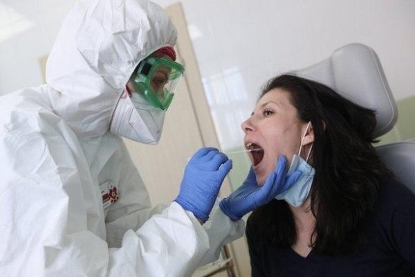 Здоровые зубы и десна связывают с более низким риском развития осложнений у больных COVID-19