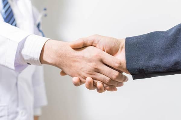 Юристы помогают или мешают работе стоматологических клиник?