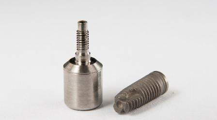 В Израиле разработали способ улучшить остеоинтеграцию зубного имплантата при помощи электромагнитной технологии