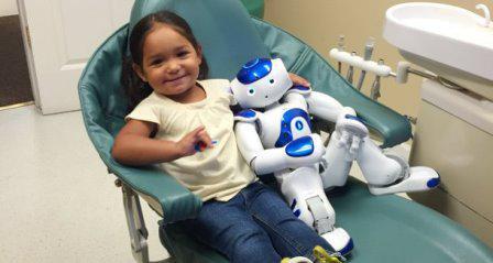 Робот MEDi, разработанный для общения с пациентами детских стоматологий