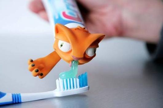 Креативные насадки на тюбик с зубной пастой