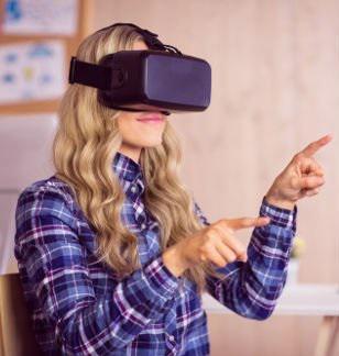С помощью очков виртуальной реальности планируется тренировать молодых хирургов-стоматологов