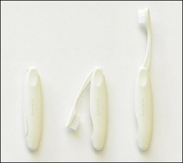 Складная зубная щетка