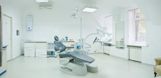 Стандарты в стоматологии и качество лечения: пределы разумного