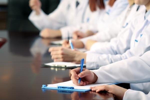 Основные вопросы и ответы на них об аккредитации, НМО, кредитах врачу и руководителю клиники