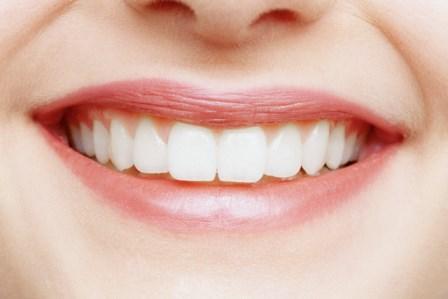 Три шага к эстетичной улыбке: клинический случай