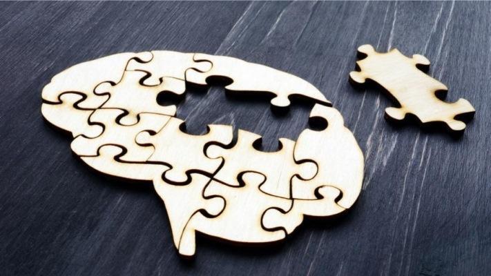 Установили взаимосвязь между рецессией десен и риском развития болезни Альцгеймера