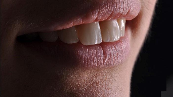 От чего зависит процесс изменения улыбки пациента?