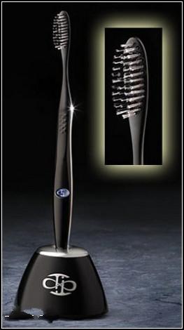 Титановая зубная щетка