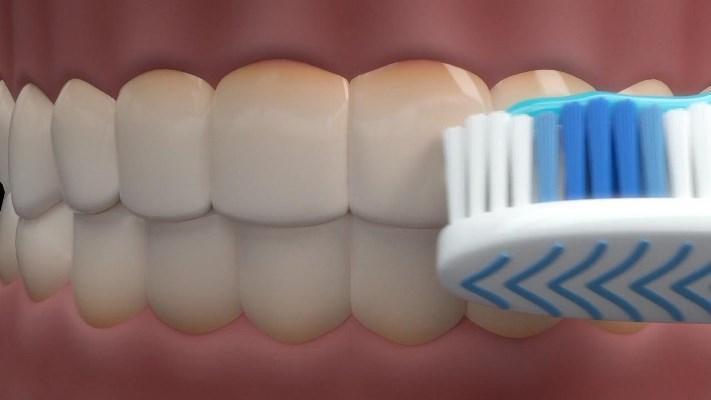 В разработке зубная паста, позволяющая видеть бактериальный налет на зубах при их очистке и снижающая риски сердечно-сосудистых заболеваний