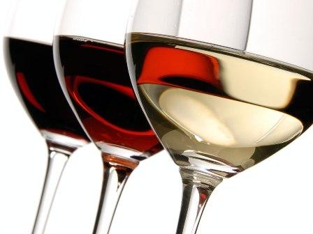 Белое вино разрушает зубы изоражения