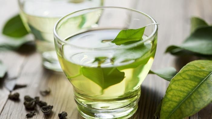 Вещества в составе зеленого чая помогают бороться с повышенной чувствительностью зубов