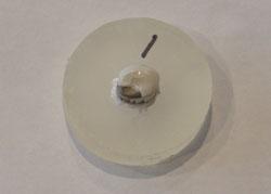 Повреждения коронки NuSmile обусловлены недостаточностью адгезии эстетического покрытия